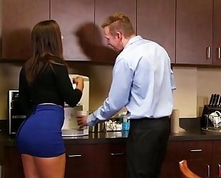 My anal assistant 3 - abella danger