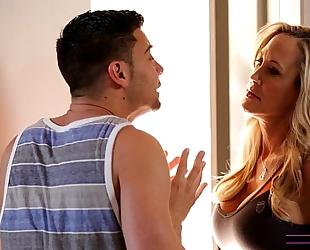 Moms train sex - mamma teaches stepson how to fuck