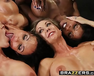 Brazzers.com - large mounds in sports - (brandi love) - miss titness america