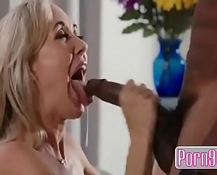 Porn900.com - brandi love takes nasty youthful neighbor's bbc