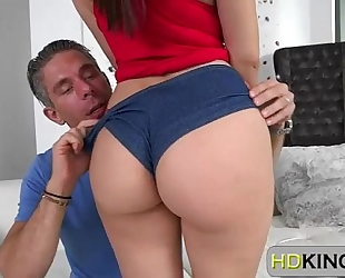 Valentina nappi shows her consummate bubble ass