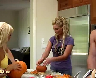 Phoenix marie and jessica lynn drilled after pumpkin carving