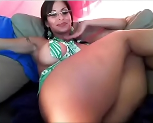 Thick milf acquires wicked squirtingmilfcams.com