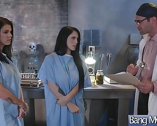 (noelle easton & peta jensen) whore patient come and group-sex with concupiscent doctor movie-20