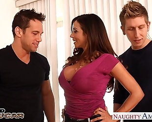 Busty brunette hair cougar ariella ferrera receives double drilled