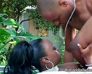 Naughty ebon bitch likes outdoor sex