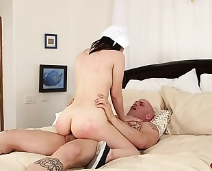 Yhivi receives her breathtaking body drilled