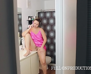 Cheating mamma madisin lee acquires facial by stepson