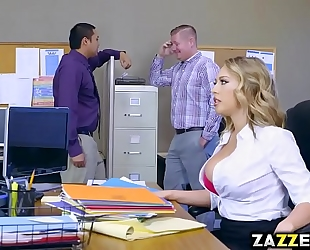 Boss guy let kagney linn karter engulf his large schlong