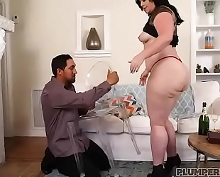 Big wazoo milf virgo brings in recent years with bottle in her butt