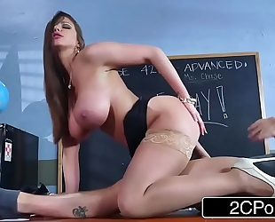 Sexy milf brooklyn pursue teaches her student