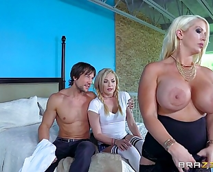 Brazzers.com - mama and daughter share weenie