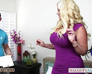 Chesty cougars alura jenson and jewels jade sharing a large dong