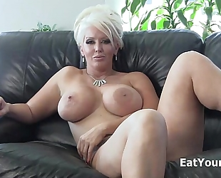 Dominatrix alura jenson makes u eat your cum