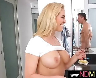Thats a sexy milf(cherie deville) 02 mov-18