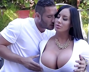 Porn outdoor with nice-looking curvy white lady and her youthful neighbour