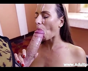 Mea melone blowing his pecker and taking an open face hole facial