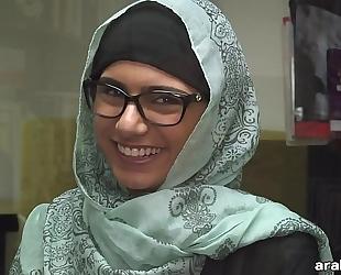 Mia khalifa takes off hijab and raiment in library (mk13825)