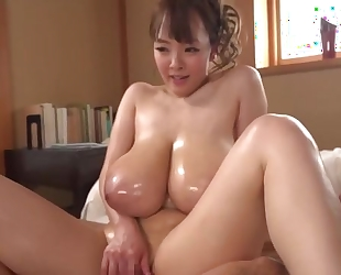 Stunning Asian girl shows off her excellent cock handling skills
