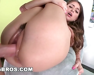 Bangbros - honey riley reid camel toe vagina drilled hard! (bmf12586)