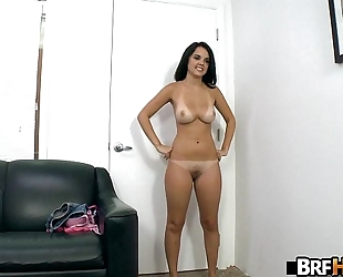 Amateur dillion harper trying to make it large in porn industry 2.3
